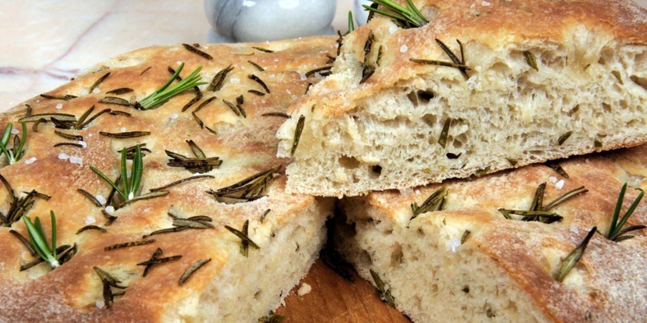 focaccia-with-olives-and-rosemary